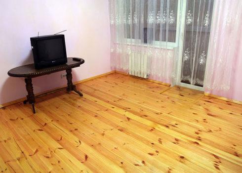 Деревянный-пол-в-квартире